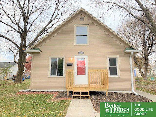 1820 Avenue F, Council Bluffs, IA 51501 (MLS #21926526) :: Omaha Real Estate Group
