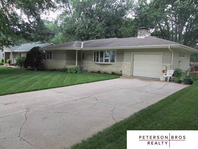 3310 S 109 Street, Omaha, NE 68144 (MLS #21926745) :: Nebraska Home Sales