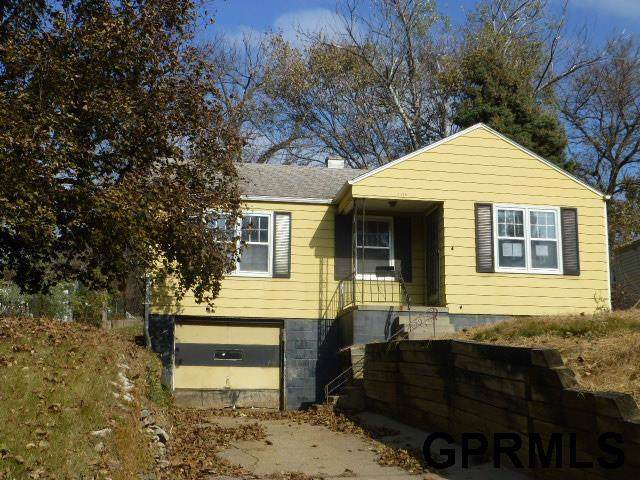 4240 Meredith Avenue, Omaha, NE 68111 (MLS #21927313) :: Omaha's Elite Real Estate Group