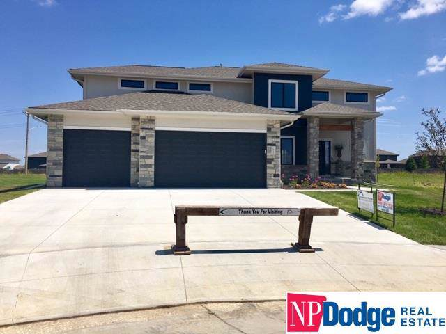 19251 Ames Circle, Elkhorn, NE 68022 (MLS #21927613) :: Lincoln Select Real Estate Group