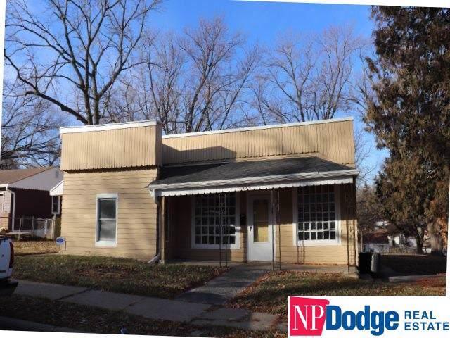 5518 N 33rd Avenue, Omaha, NE 68111 (MLS #21928518) :: Complete Real Estate Group