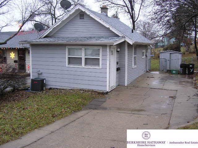 5849 Hamilton Street, Omaha, NE 68112 (MLS #21929528) :: Omaha's Elite Real Estate Group
