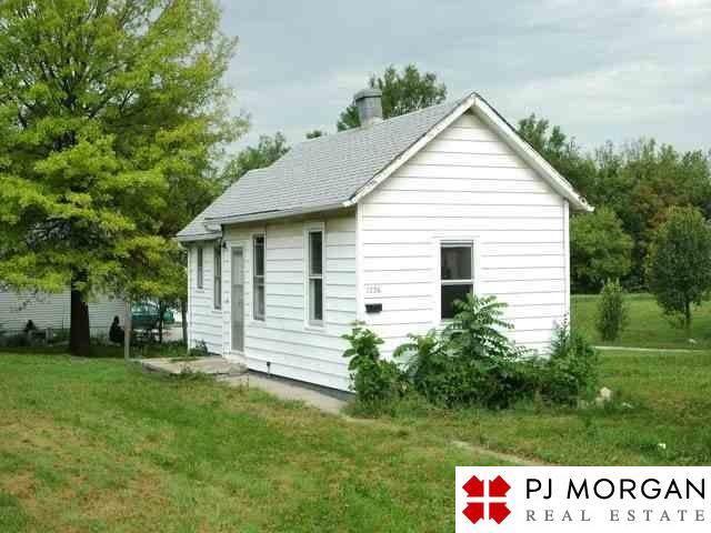 1726 S 18th Street, Omaha, NE 68108 (MLS #21929571) :: Complete Real Estate Group