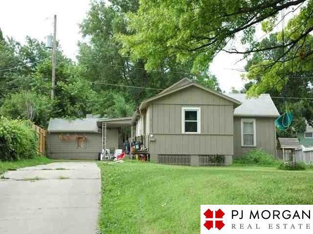 2135 Monroe Street, Omaha, NE 68107 (MLS #21929576) :: Dodge County Realty Group