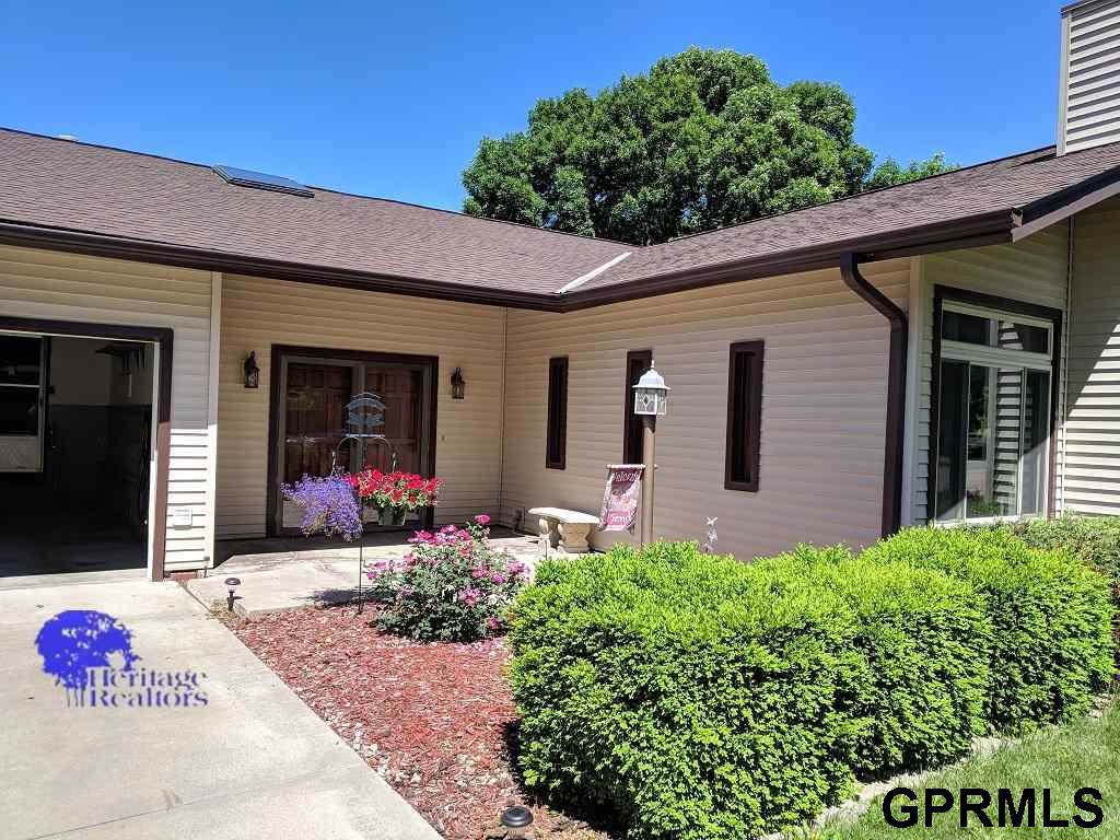 828 Country Club Drive - Photo 1