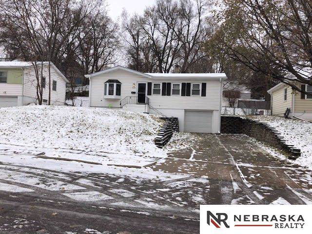 4120 N 64 Street, Omaha, NE 68104 (MLS #22000794) :: Dodge County Realty Group
