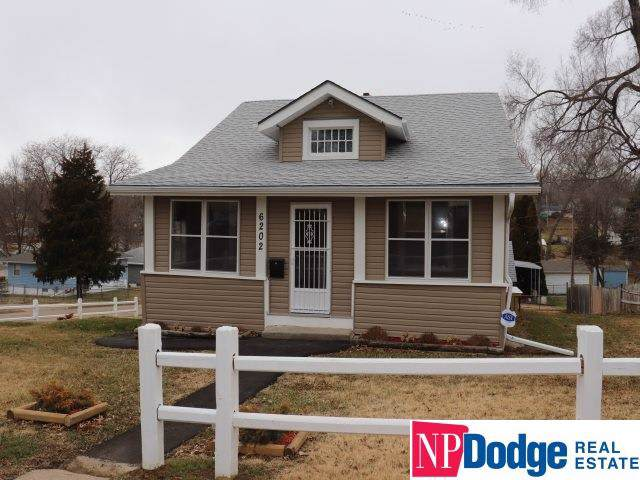 6202 N 39 Street, Omaha, NE 68111 (MLS #22000994) :: Dodge County Realty Group