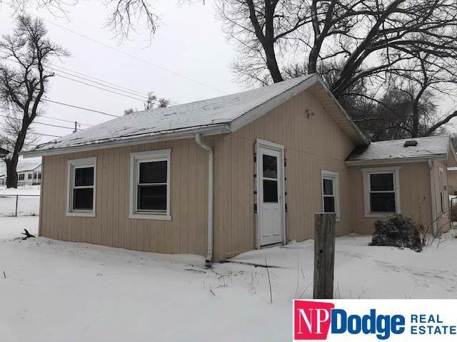 5716 Whitmore Street, Omaha, NE 68152 (MLS #22001665) :: Omaha Real Estate Group