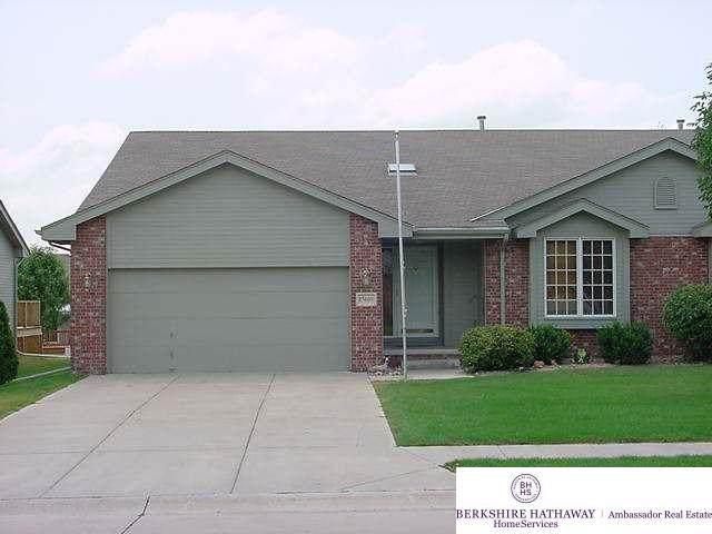 15609 Gertrude Street, Omaha, NE 68136 (MLS #22002262) :: kwELITE