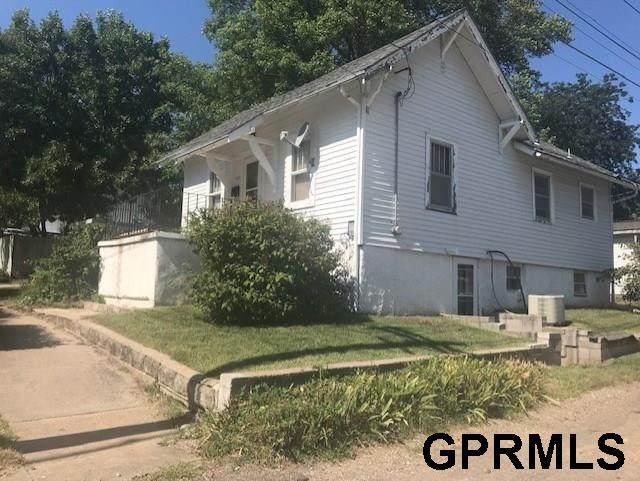 809 11th Street, Fairbury, NE 68352 (MLS #22004318) :: Cindy Andrew Group