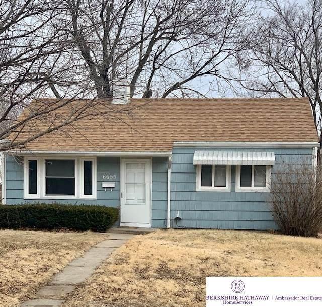 6655 Decatur Street, Omaha, NE 68104 (MLS #22004465) :: Cindy Andrew Group