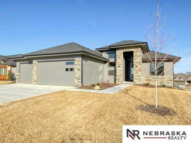 10813 S 175th Avenue, Omaha, NE 68136 (MLS #22005499) :: Complete Real Estate Group