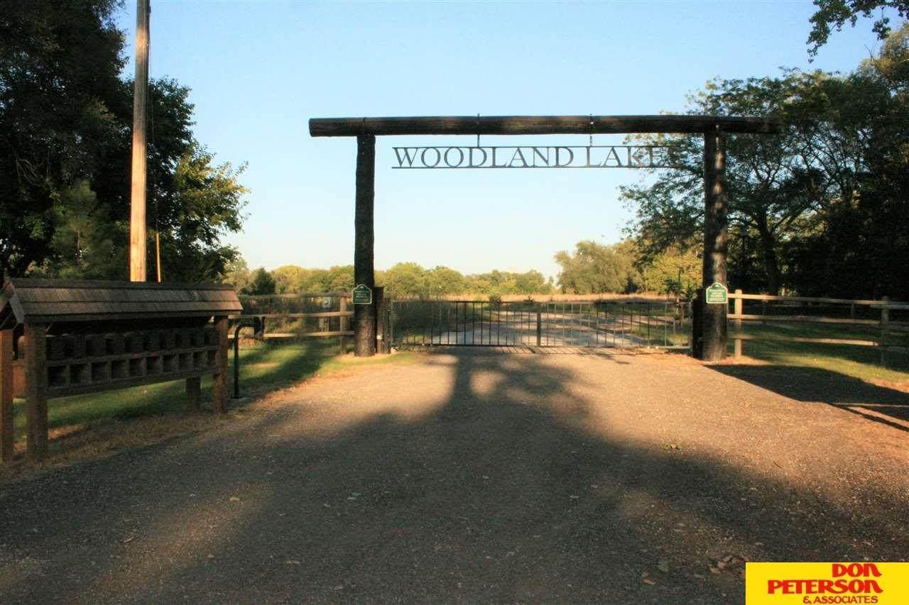1401 Woodland Cove - Photo 1