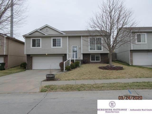 18722 R Street, Omaha, NE 68135 (MLS #22007289) :: Dodge County Realty Group