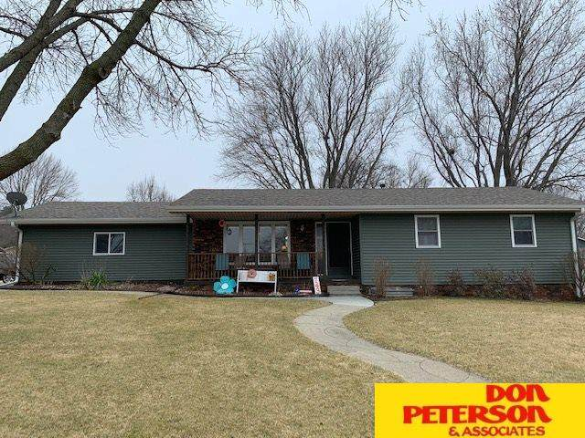743 Hillcrest, West Point, NE 68788 (MLS #22007405) :: kwELITE