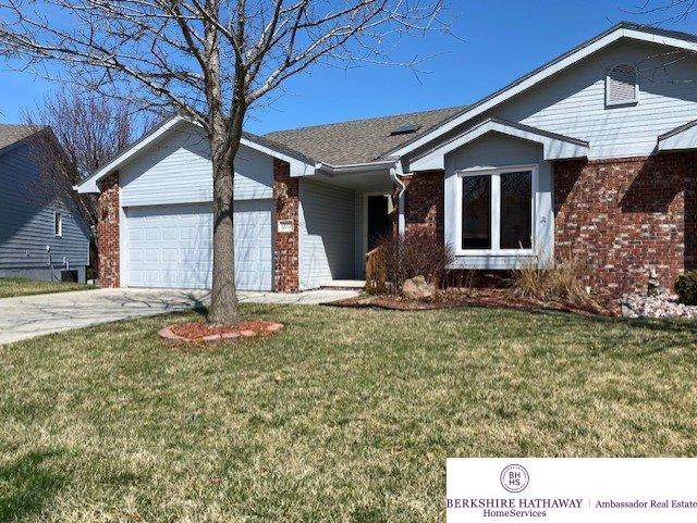 13224 Hillsborough Drive, Omaha, NE 68164 (MLS #22007679) :: One80 Group/Berkshire Hathaway HomeServices Ambassador Real Estate