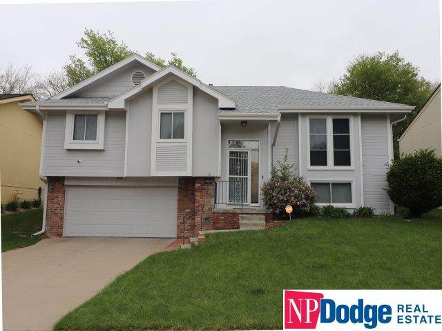 5041 S 162 Avenue, Omaha, NE 68135 (MLS #22012078) :: Dodge County Realty Group