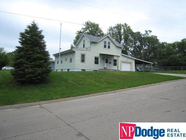 4332 Vinton Street, Omaha, NE 68105 (MLS #22012347) :: One80 Group/Berkshire Hathaway HomeServices Ambassador Real Estate