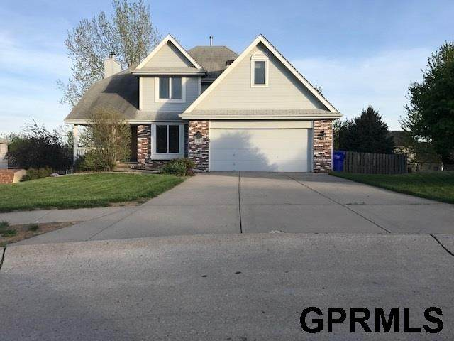 1915 Franklin Circle, Papillion, NE 68133 (MLS #22013145) :: Complete Real Estate Group