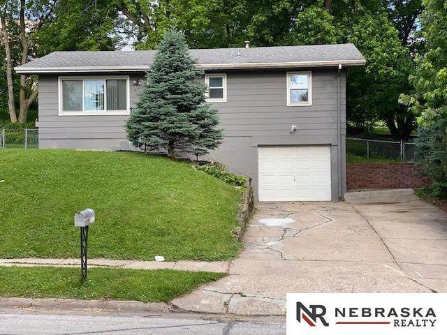 6836 N 65th Avenue, Omaha, NE 68152 (MLS #22013590) :: Omaha Real Estate Group