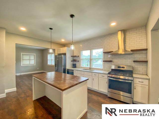 4401 S 34th Street, Omaha, NE 68107 (MLS #22016118) :: One80 Group/Berkshire Hathaway HomeServices Ambassador Real Estate