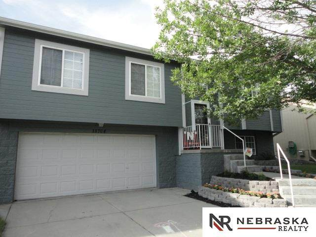 18704 S Street, Omaha, NE 68135 (MLS #22016201) :: Dodge County Realty Group