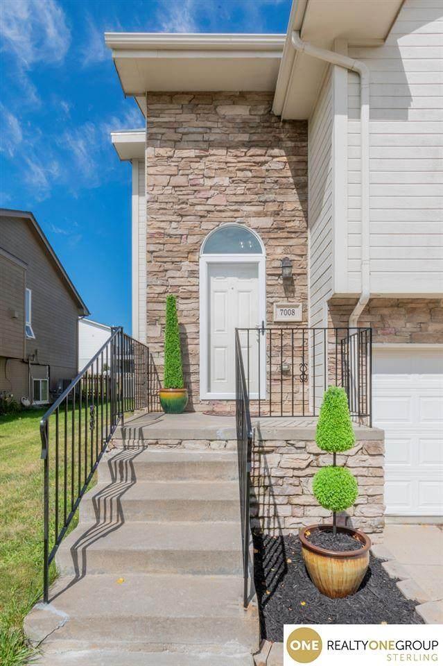7008 N 153 Street, Bennington, NE 68007 (MLS #22018294) :: Omaha Real Estate Group
