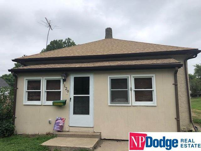 120 West Vass Street, Valley, NE 68064 (MLS #22019688) :: Dodge County Realty Group