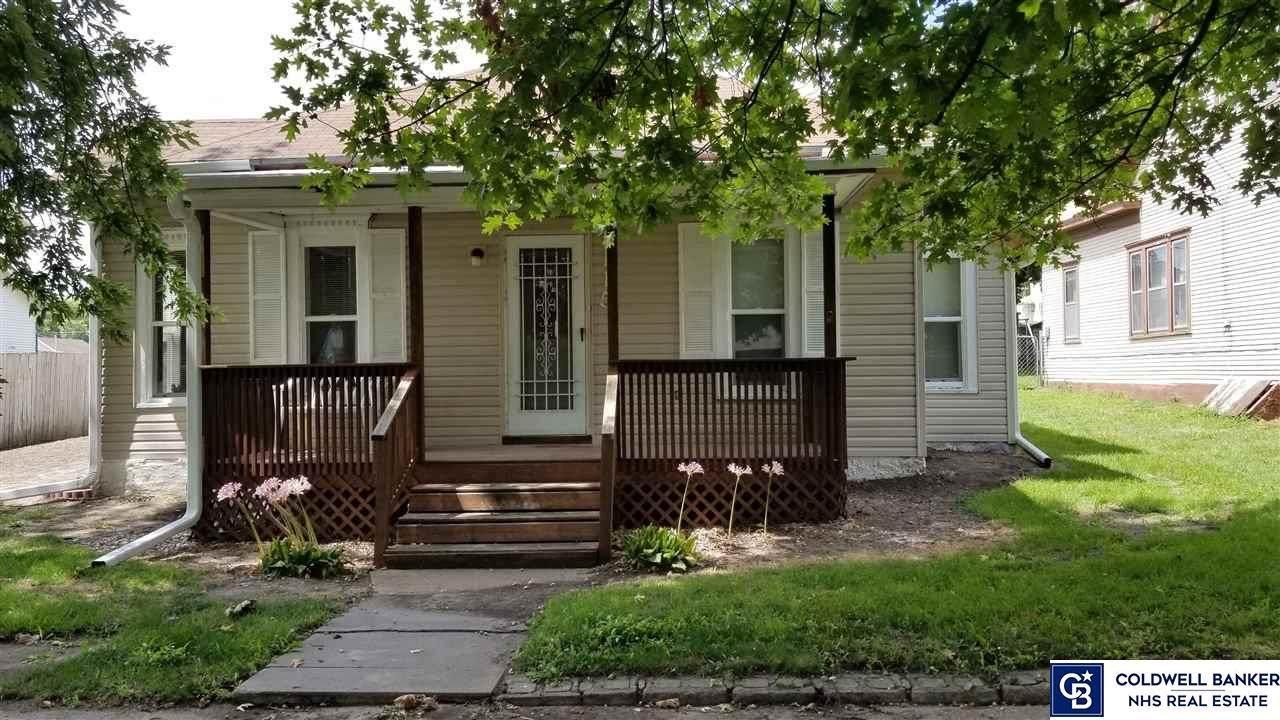1115 Grant Avenue - Photo 1