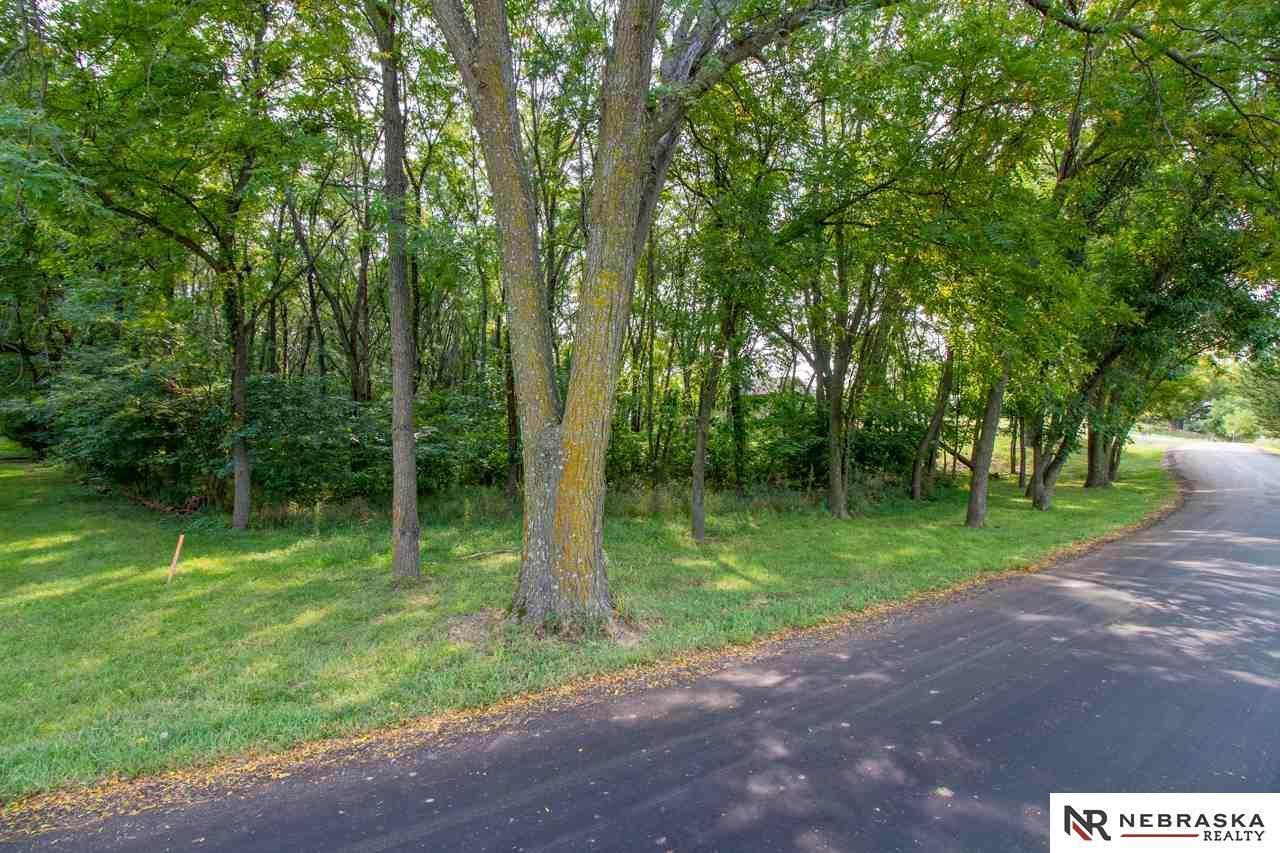 INDIAN HILLS Lot 28 - Photo 1