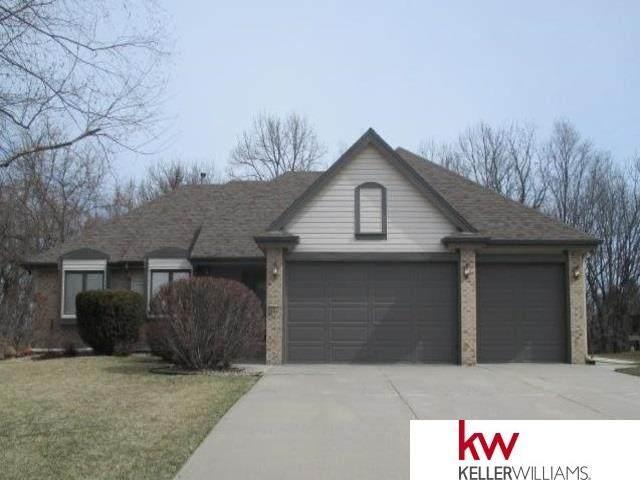 8927 N 56th Avenue Circle, Omaha, NE 68152 (MLS #22023772) :: Omaha Real Estate Group