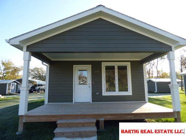 316 Graham Street, Beatrice, NE 68310 (MLS #22024934) :: Dodge County Realty Group