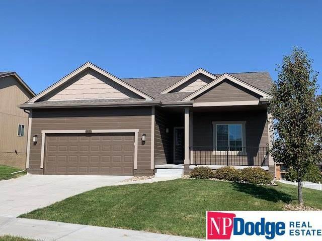 6626 Michael Circle, Papillion, NE 68133 (MLS #22025638) :: The Homefront Team at Nebraska Realty