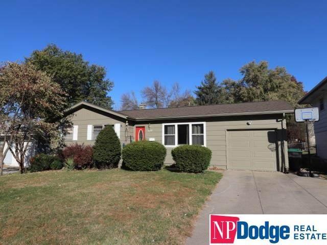 8312 Hillside Drive, Omaha, NE 68114 (MLS #22027080) :: Cindy Andrew Group