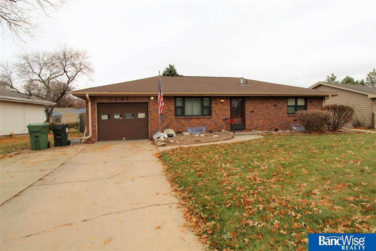 1121 Clearview Boulevard - Photo 1
