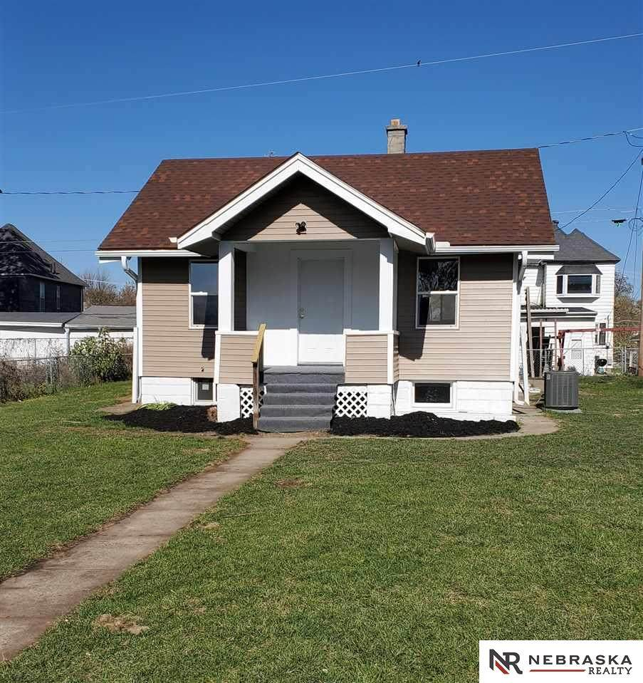 2212 Maple Street - Photo 1