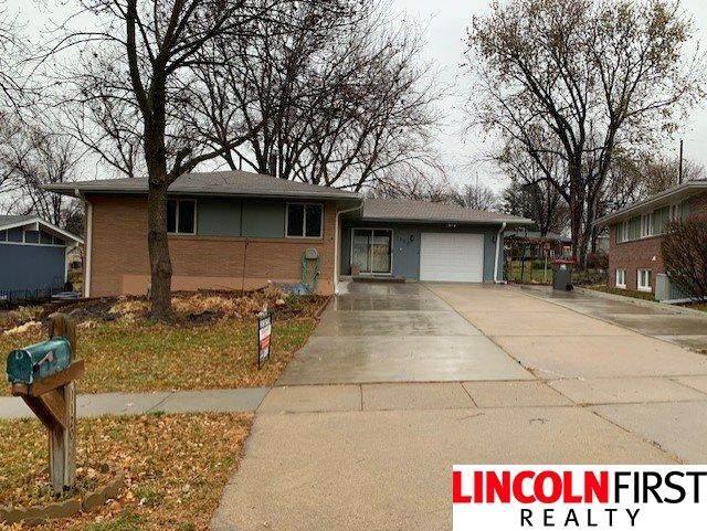 1120 Carlos Drive, Lincoln, NE 68505 (MLS #22028944) :: Lincoln Select Real Estate Group