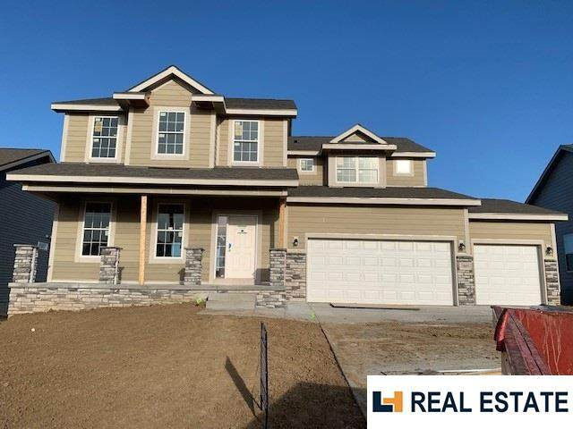 7805 173 Street, Bennington, NE 68007 (MLS #22029209) :: The Homefront Team at Nebraska Realty