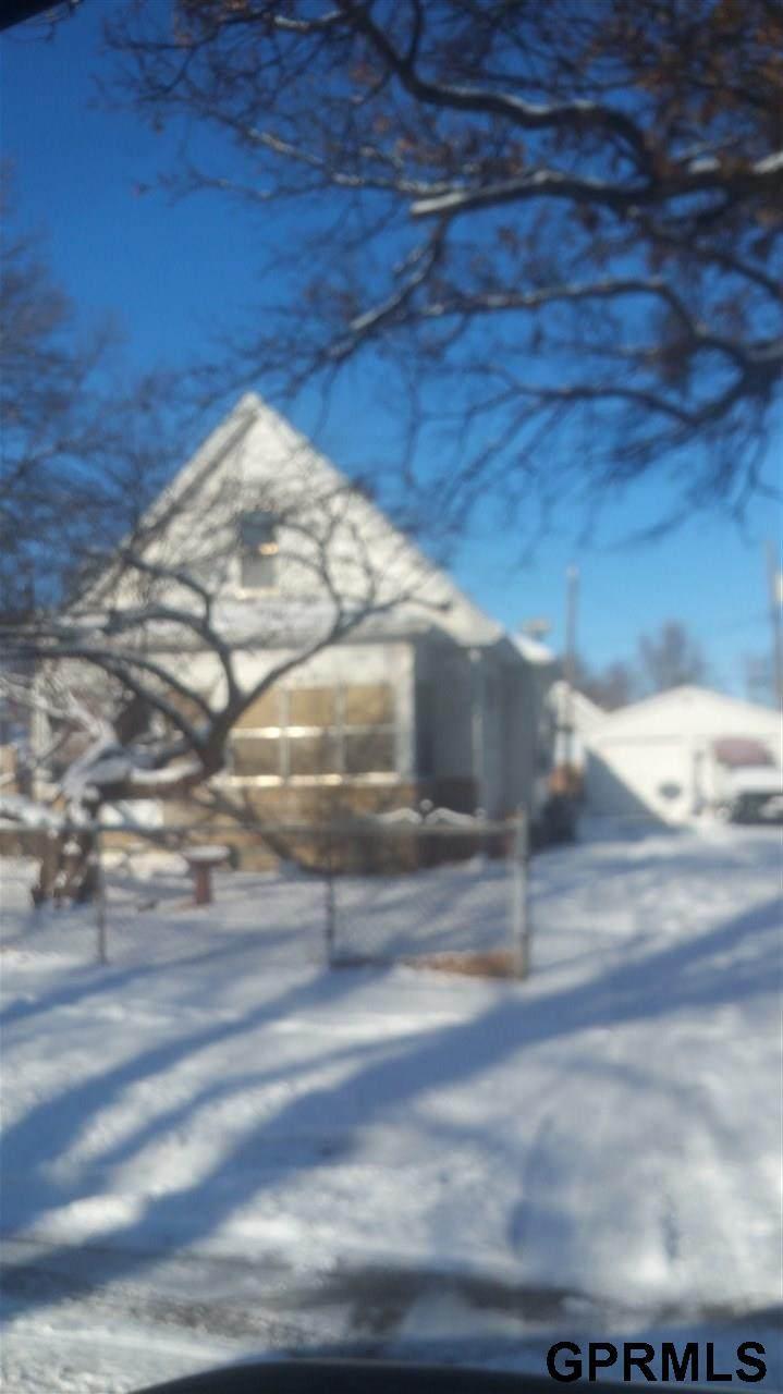 2566 Browne Street - Photo 1