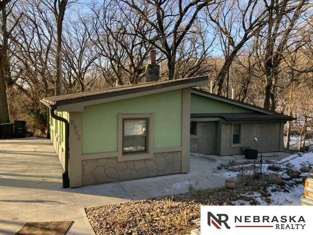 9902 N 31st Street, Omaha, NE 68132 (MLS #22030547) :: Lincoln Select Real Estate Group