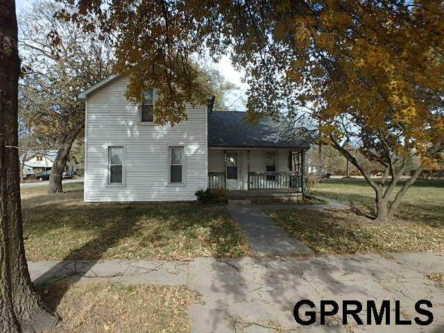 124 W 1st Street, Blue Springs, NE 68318 (MLS #22030803) :: Dodge County Realty Group