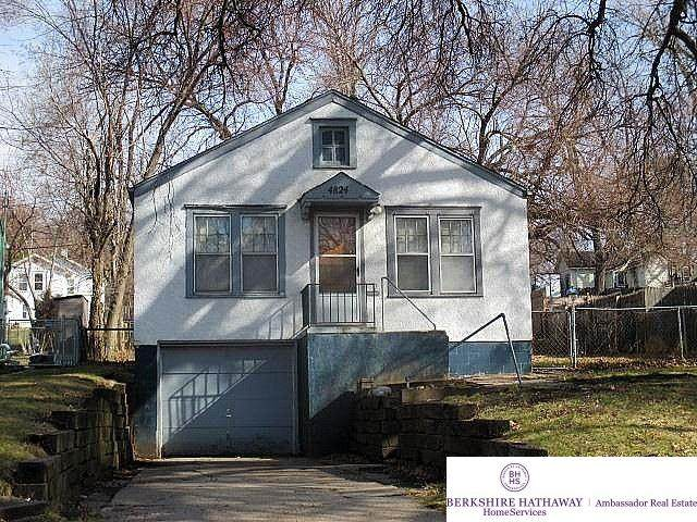 4824 Charles Street, Omaha, NE 68132 (MLS #22100220) :: Catalyst Real Estate Group