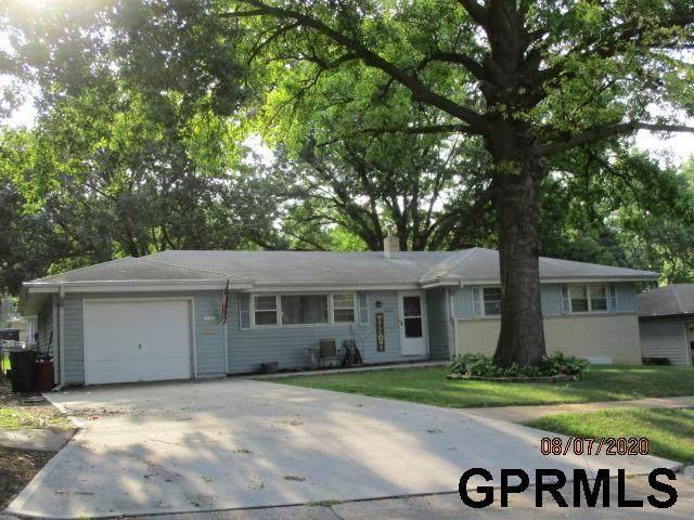 4935 S 130 Street, Omaha, NE 68137 (MLS #22100423) :: The Homefront Team at Nebraska Realty