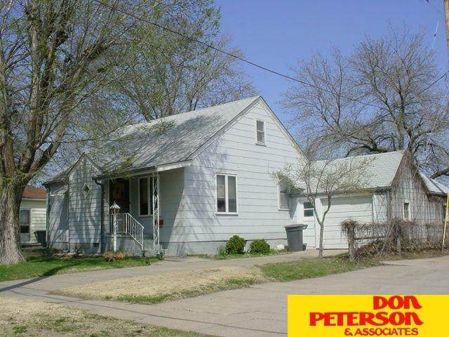 1136 N Somers, Fremont, NE 68025 (MLS #22100573) :: Don Peterson & Associates