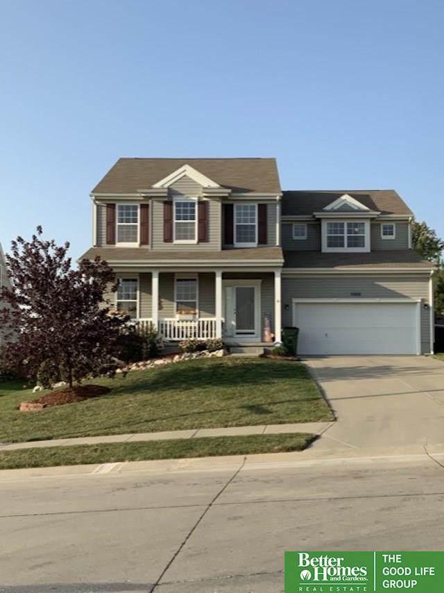 1120 Summit Ridge Drive, Papillion, NE 68046 (MLS #22100719) :: Dodge County Realty Group