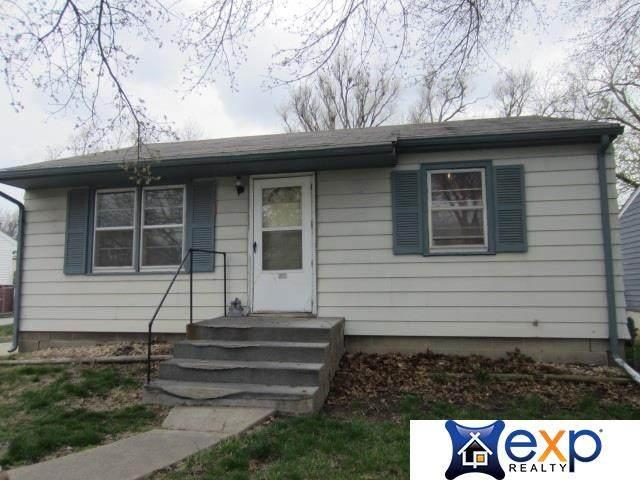 2035 N 59 Street, Lincoln, NE 68505 (MLS #22106883) :: Berkshire Hathaway Ambassador Real Estate