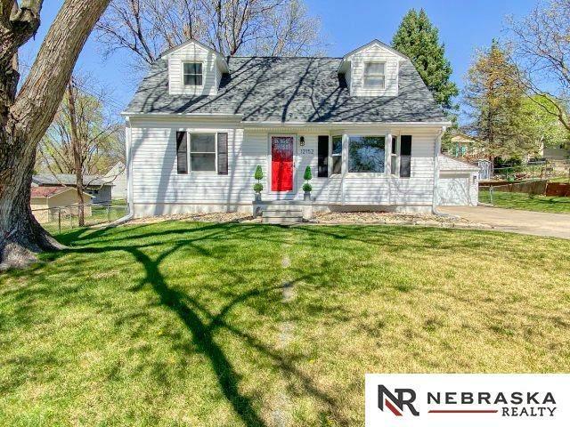 12152 Lamont Street, Omaha, NE 68144 (MLS #22107128) :: Omaha Real Estate Group