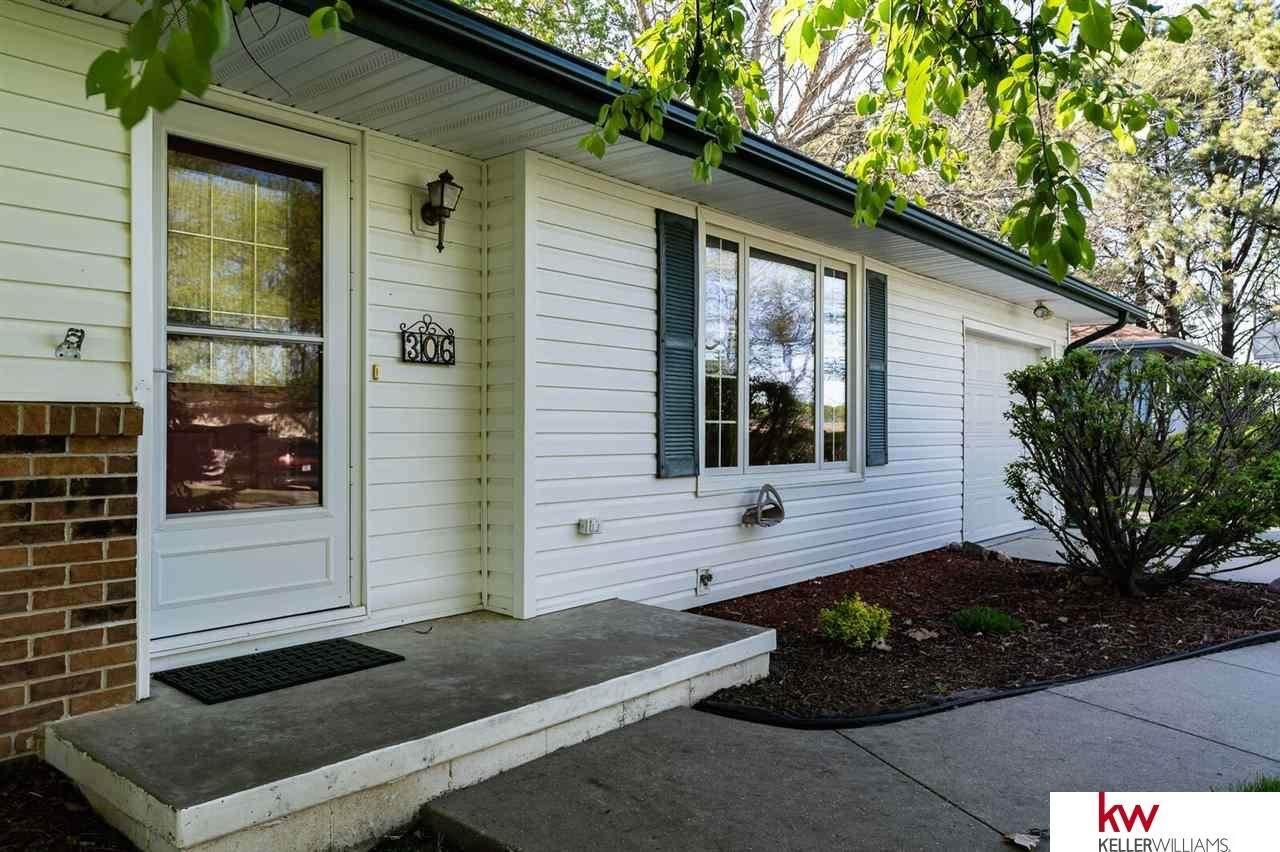 306 Calhoun Drive - Photo 1