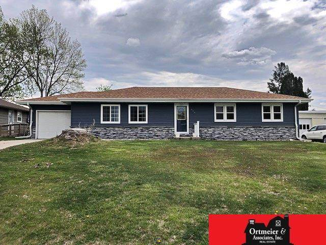 916 12th Street, Wisner, NE 68791 (MLS #22110445) :: Lincoln Select Real Estate Group