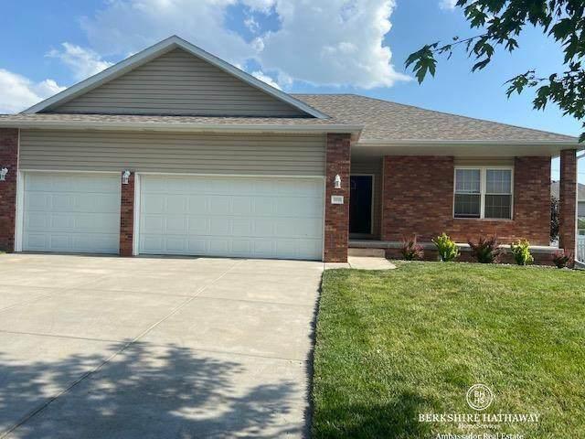 8750 Garland Street, Lincoln, NE 68505 (MLS #22113599) :: Catalyst Real Estate Group